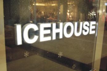 Интерьерная вывеска ювелирного салона «Icehouse» (Торговый центр VEGAS).